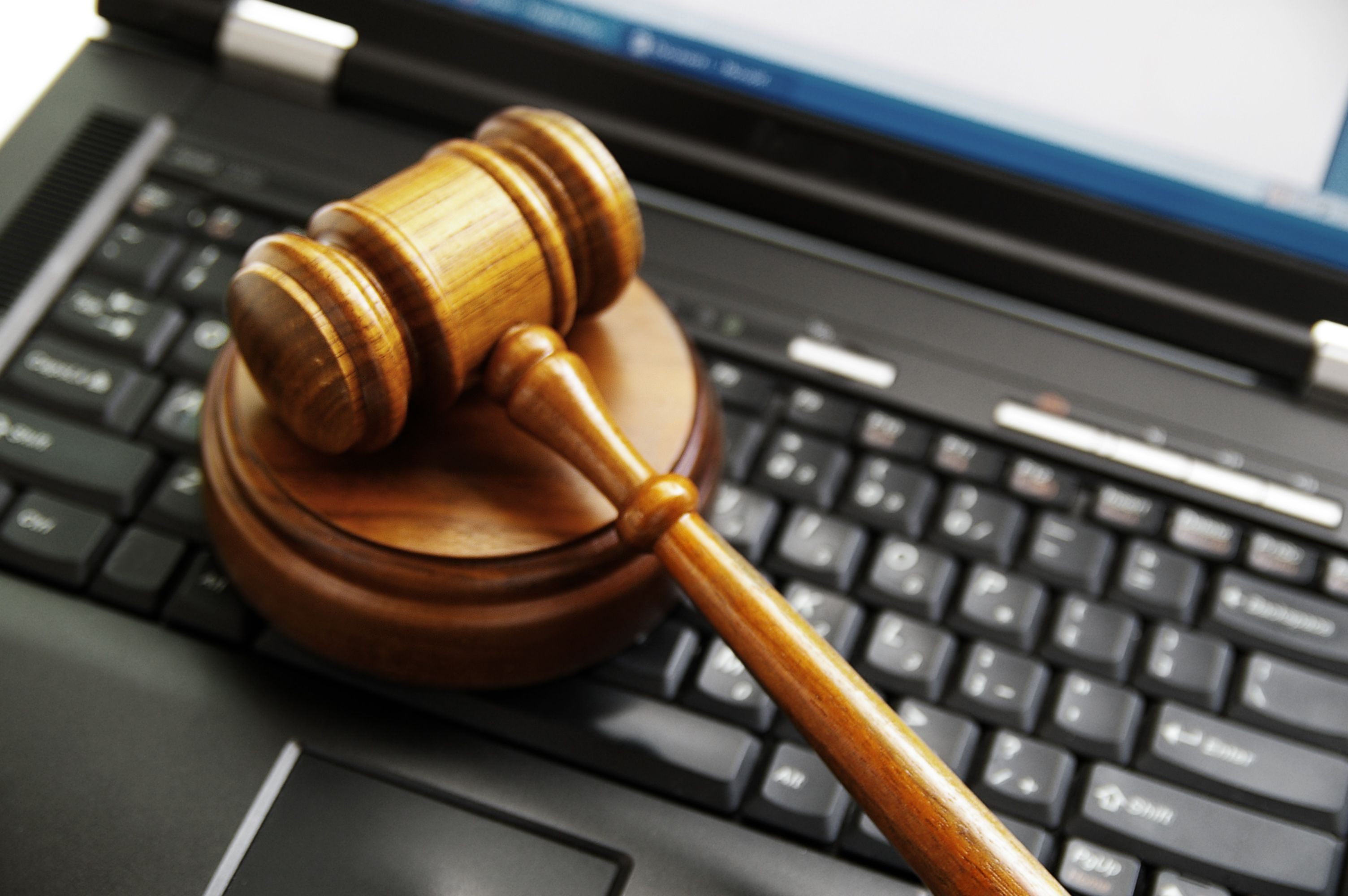 how to find legal information on the internet